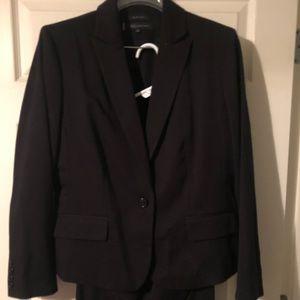 Anne Klein 2 piece black business suit